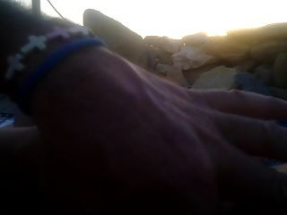 هاندجوب بالنسبة لي على الشاطئ في الغروب