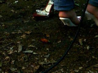 بولوهيب تكسير بواسطة بلدي خشبية عالية الكعب سيدة في الخشب 2