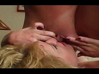 الشرج 3some مع أريانا \u0026 فيكتوريا