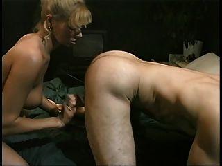 جديد شقراء تجنيد مع شركة جولة البطيخ يعطي رئيس ثم يحصل مارس الجنس للوجه