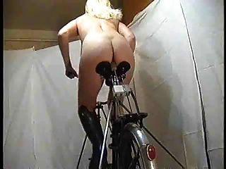 دراجة (بواسطة تم)