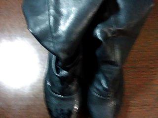 نائب الرئيس لها الأحذية