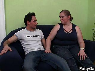 المتأنق بالإصبع لها الدهون العضو التناسلي النسوي