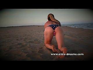 عارية وقذرة مع بلدي سيكستوي أسود ضخم على الشاطئ