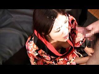 اليابانية يحصل ضخمة الوجه