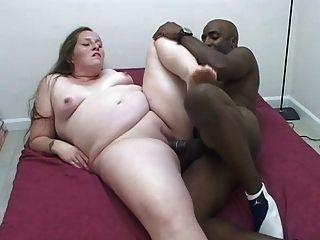 أسود المتأنق يحصل الساخنة الحوامل كس الأبيض