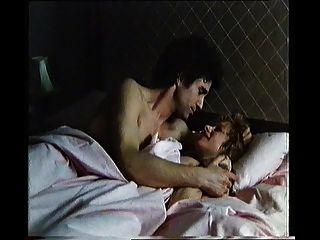 هيلين ميرين جعل الحب، عاري الصدر
