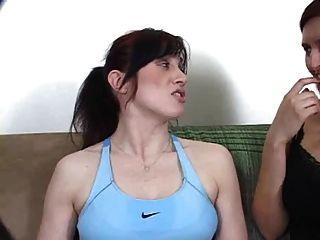 الرقيق لعق الإبط تفوح منه رائحة العرق - Xalabahia.com