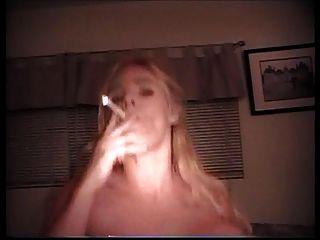 أق يلبي إلى صنم التدخين الجزء 2a العميل