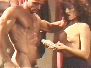 فرانسوا بابيلون في البحث عن العظم الذهبي (1986)