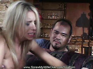 الزوج يشارك زوجته قرنية