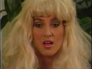 تانيا فوكس ثلاثة رجال و باربي 1988