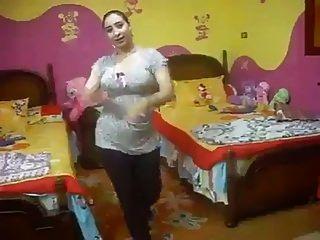 الرقص محلية الصنع العربية