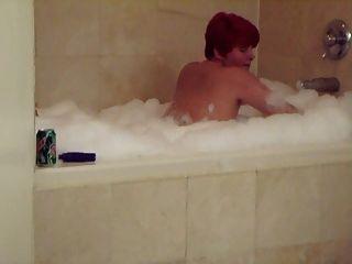 زوجة الحصول على مارس الجنس في حوض الاستحمام الساخن أفلام هوبي