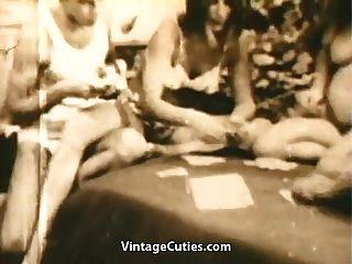 في سن المراهقة العهرة تلعب قطاع البوكر و اللعنة (1960s خمر)