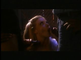 شقراء الساخنة يحصل لها الثدي امتص و الاصبع مارس الجنس بواسطة تو بلاك غويس
