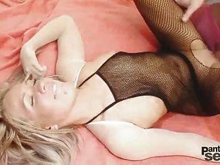 كريستال يحب أن يكون مارس الجنس من الصعب من قبل صديقها ارتداء نيل