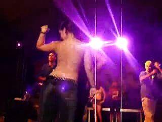 حار، لاتينوس، أرقص، عارية، إلى، بول، قميص t، كونتيست