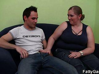 الجنس الساخنة مع ببو مفعم بالحيوية التي يشتهي له