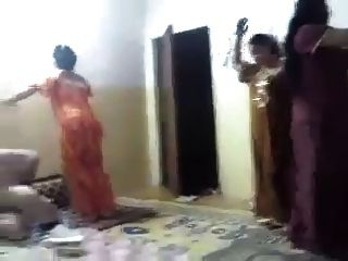 الرقص المنزل