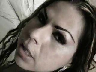 البرازيلي خنثى كتكوت يحصل مارس الجنس و يتلقى الوجه