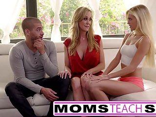 الامهات تعليم الجنس كبير حلمة الثدي أمي كاتشس ابنة
