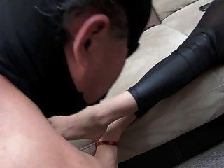 جنيفر، اهة، تطهير، الأقدام، بجانب، عبد