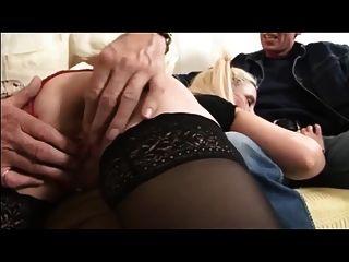 زوجة البريطانية يحصل يضرب و مارس الجنس من قبل الرجل القديم و بعل