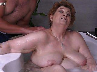 ناضج ببو أمي سخيف ابن في حمام