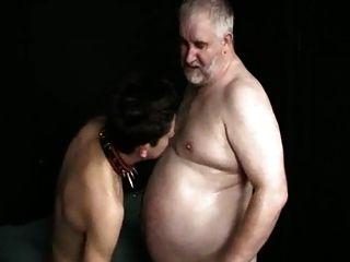 الشباب الصبي الصغير تمتص الدهون سيد القديمة