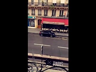 اليوم الثاني في باريس. وامض مع بي بي سي