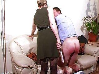 العقاب المعلم