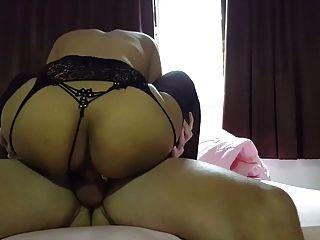 التايلاندية وقحة في جوارب مارس الجنس و كريامبيد بواسطة ديك أبيض