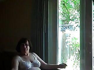 سخيف جدة كومسلوتس الفم أمام نافذة