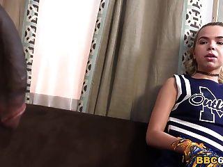 ألينا ويست يحصل لها الأول بي بي سي شرجي