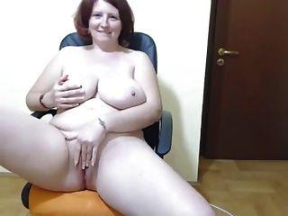 كيرفي الهاوي سيدة مع ضخم الثدي ندف و ماستوربيت