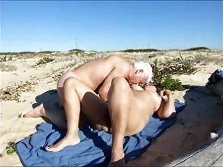 زوجة، الجنس الساخن على الشاطئ