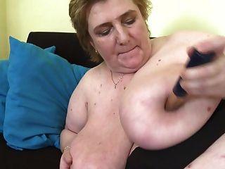 ناضجة أمي مع كبير جدا الثدي و شعر كس