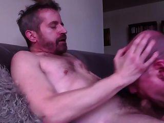 كبار السن مصاصة يبتلع الحمل من يئن مثلي الجنس