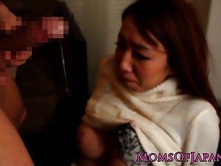 اليابانية أمي فاسيفوكيد بواسطة الثابت الديك