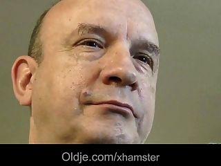 الهواة الفرنسية الرجل العجوز اللعنة صب الساخنة سكرتيرة الرطب كس