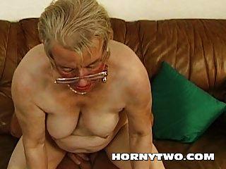 الرطب الجدة الجدة القديمة كس الداعر الأصغر سنا سعيدة ل