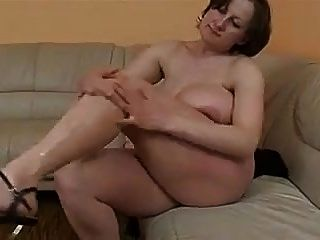 الوحش الثدي الألمانية ببو ناضجة يحصل مارس الجنس و رش b $ r