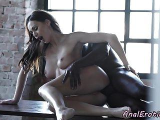 يوروباب الشرج مارس الجنس مع الديك الأسود