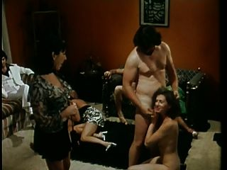 تينيج ديفيات (1975)