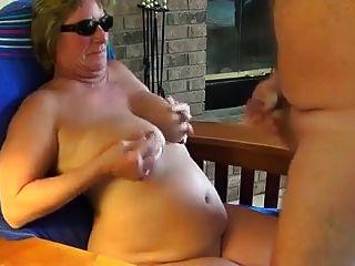 ناضجة أمي جانيت يأخذ لها أول صياح الديك بعد لها طلاق