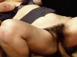 شعر و السمين فتاة مارس الجنس في ال مكتب