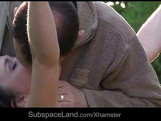 رقيق صغير يعاني عبودية الفرعية كما فمها هو الديك المستخدمة