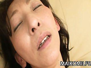 ماكو شينوزوكا: نيبون جبهة مورو إدراج ل الصعب الديك داخل لها
