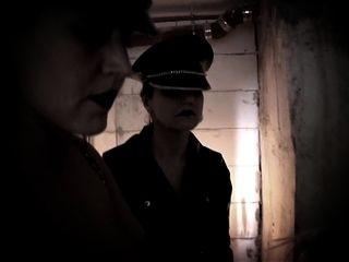 الرقيق في قبو بزاز كبيرة شقراء مارس الجنس الموسيقى والفيديو